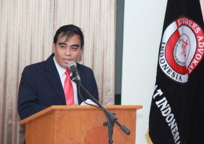 Memberikan sambutan pelantikan dan sumpah Anggota profesi Advokat KAI Jatim